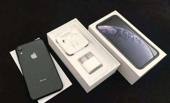 Apple Iphone Xr Black 256gb Under International Warranty image 2