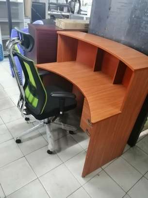 Curved reception office desk