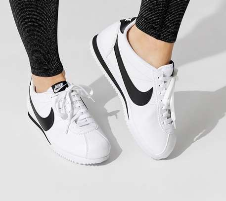 White Nike Classic Cortez Leather Unisex sport shoes image 1