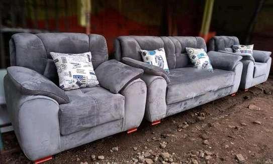 chair/sofa image 1