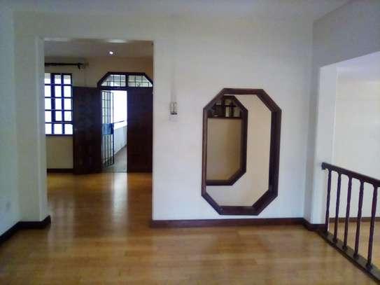 3 bedroom apartment for rent in Kileleshwa image 14