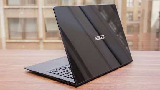 Super sleek Asus zenbook core i7 image 3