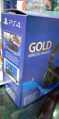 Playstation Gold Wireless Headset image 2
