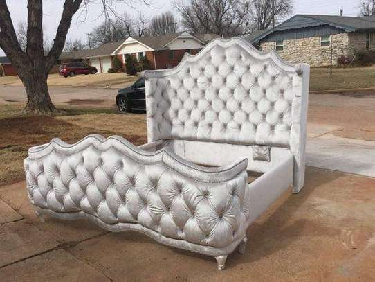 Queen size Chesterfield bed image 3