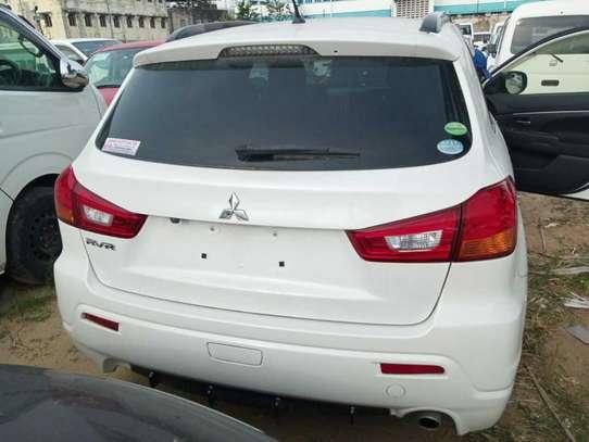 Mitsubishi RVR image 9