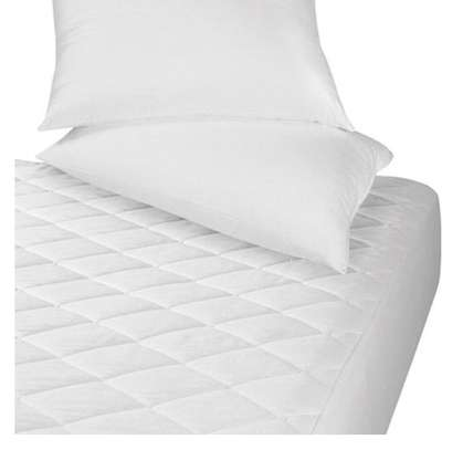 white mattress protector 4 by 6 image 1