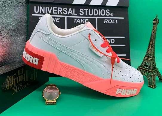 Ladies Puma shoes image 2