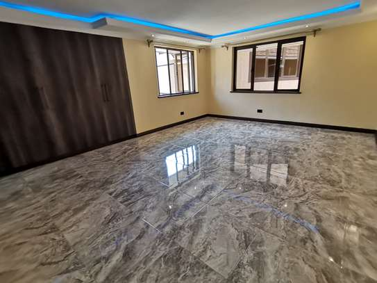 NEWLY BUILT CONTEMPORARY 4 BEDROOM TOWNHOUSE WITH DSQ image 8