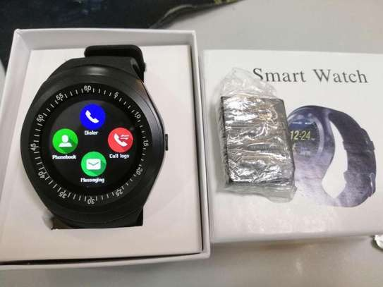 Y1 Smart Watch With  And Camera- Black image 1
