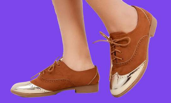 Brogues Fashion Ladies Laced Shoes image 2