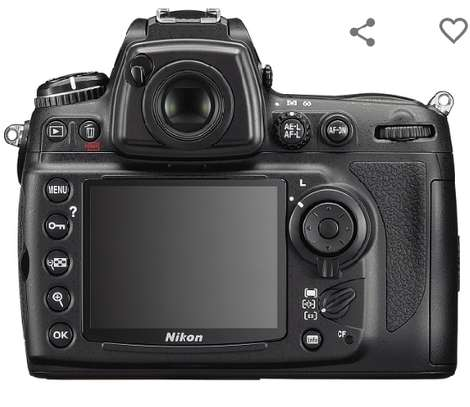 Nikon D700 12.1MP FX-Format CMOS Digital SLR Camera with 3.0-Inch LCD (Body Only) (OLD MODEL) image 2