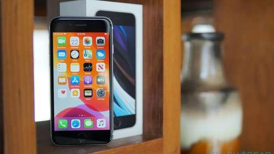 iPhone SE 2020 image 1