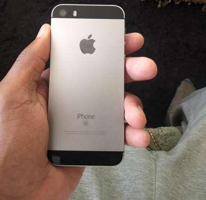 Iphone SE image 3