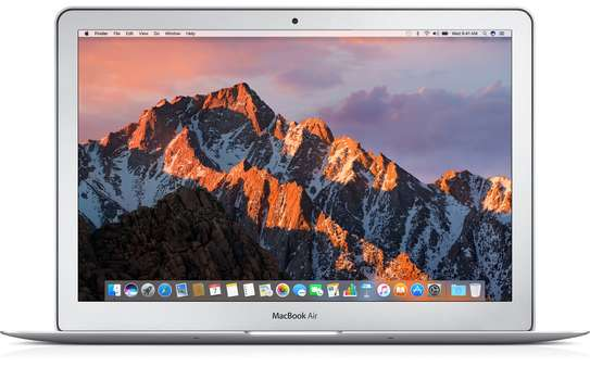 MacBook Air 2017 Intel Core i5 image 3