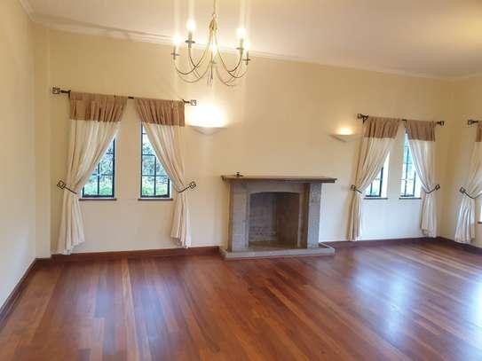 5 bedroom villa for rent in Runda image 10