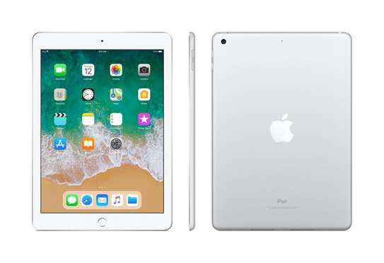 iPad 6th gen 128gb WiFi only image 1