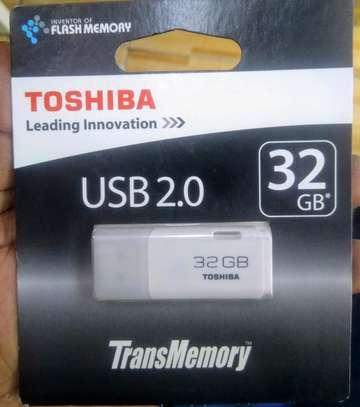 TOSHIBA PREMIUM QUALITY 32 GB FLASH DISK