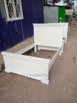 4*6 White Bed image 1