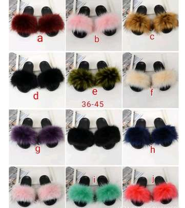 Ladies fur laced sandals image 2