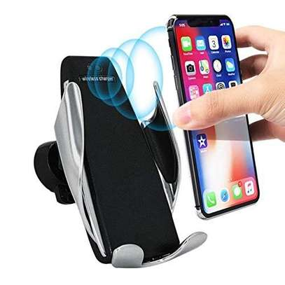 Car Wireless Charger S5 Smart Sensor Stand - Black image 1