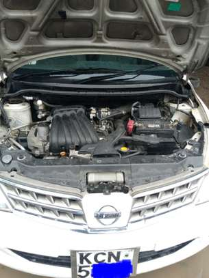 Nissan tiida image 2