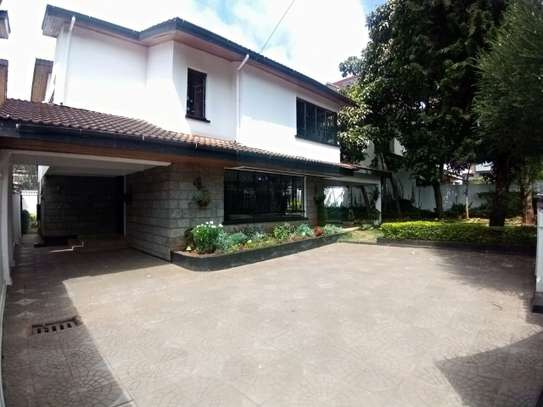 4 bedroom townhouse for rent in Kilimani image 3