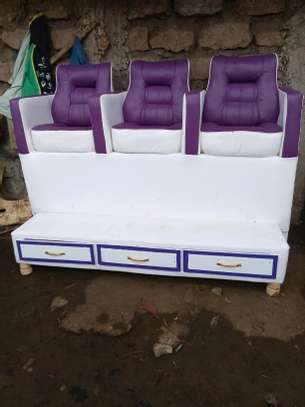 Pedicure seats image 1
