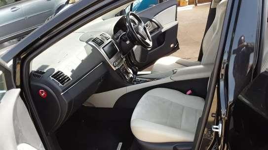 Toyota Avensis 2013 image 2