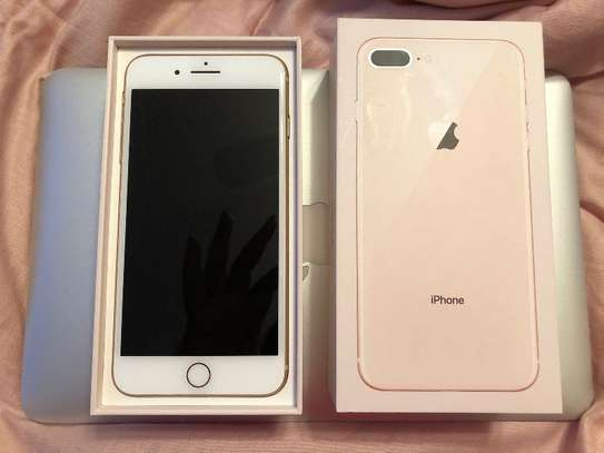 IPHONE 8 PLUS 64 GB NEW ALL ACCESORIES image 2
