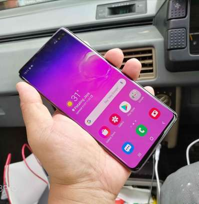 Samsung S10 plus image 1