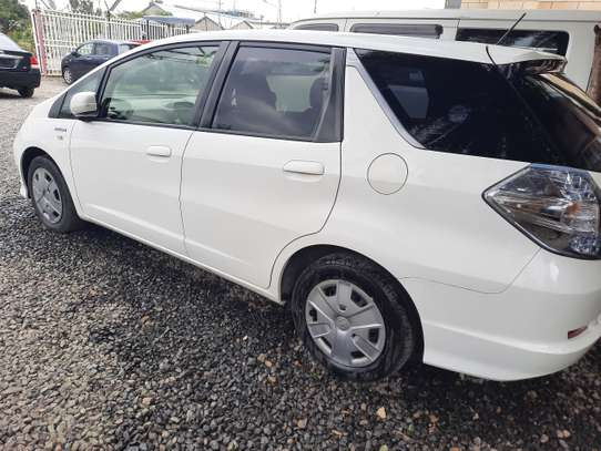 Honda Fit Shuttle image 6