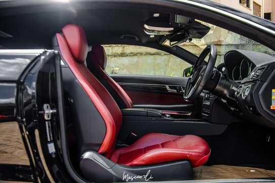Mercedes-Benz E250 image 9
