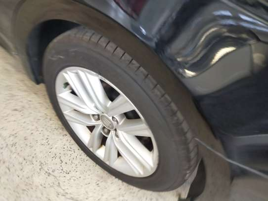 Toyota Crown image 5
