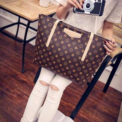 Ladies classy pattern leather handbags image 3