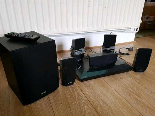 SONY BDV E2100 5.1 CHANNEL 1000W 3D BLU-RAY HOME THEATER SYSTEM WITH BUILT-IN WI-FI image 1