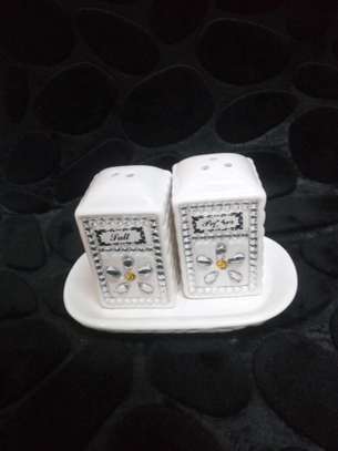 Ceramic salt shaker silver with tray
