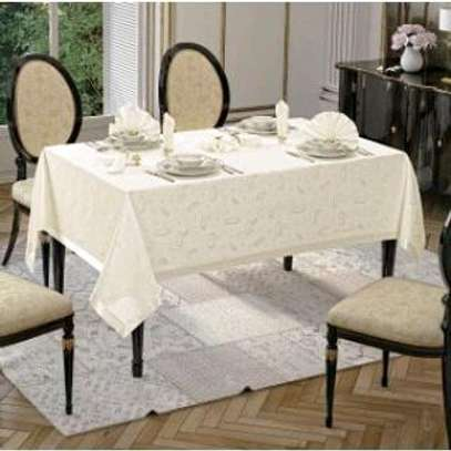 Table Cloth with Napkins