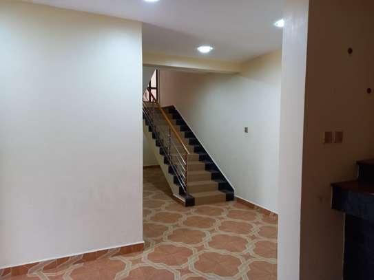 4 bedroom villa for rent in Lavington image 3