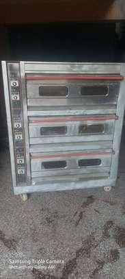 Tripple Deck oven image 8