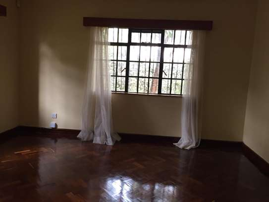 5 bedroom house for rent in Runda image 9