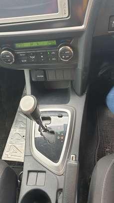 Toyota Auris image 8