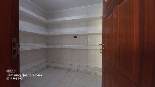 5 bedroom townhouse for rent in Lavington image 6