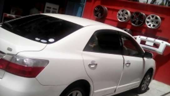 Professional Car Tinting image 2