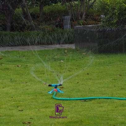 3 Arm Large Area Rotating Mini Sprinkler image 2