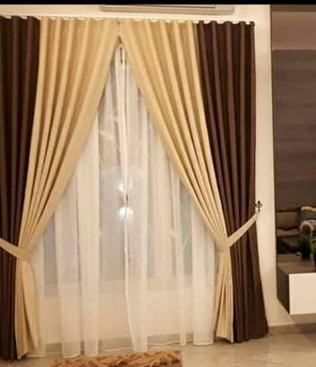 curtains and curtain blinds. image 6