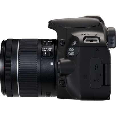Canon EOS 200D image 5