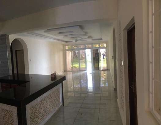2br Ocean Front Apartment For Rent In Nyali. AR30 image 8