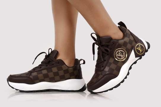Ladies LV sneaker image 3