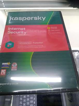 Kaspersky Internet Security 3+1 Devices -- image 1