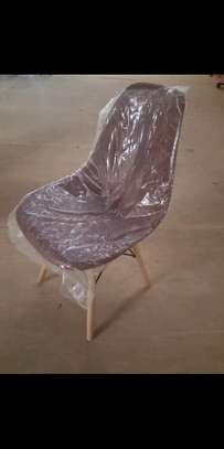 Aeme chair image 1